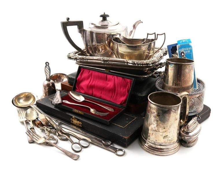 A mixed lot of old Sheffield plated and electroplated items, comprising: a set o…