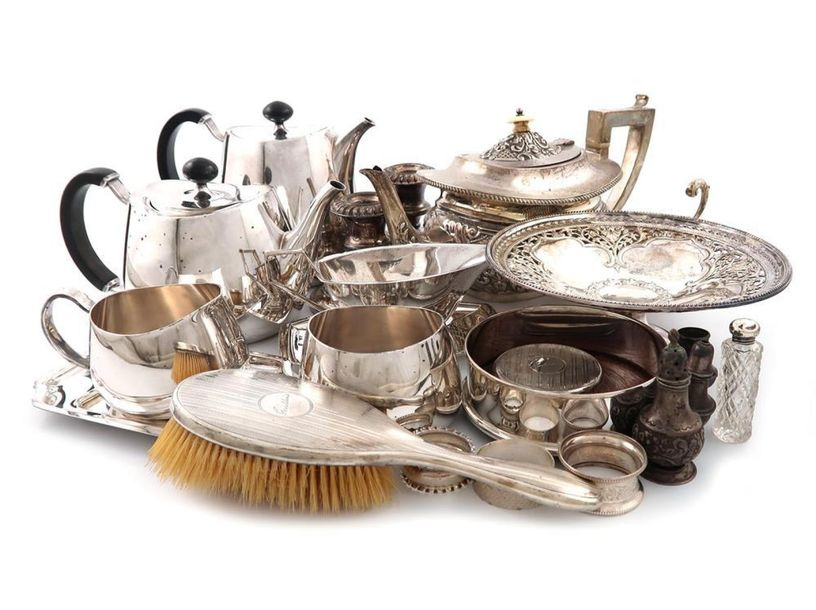 ΛA mixed lot, comprising silver items: a teapot, Birmingham 1902, of rounded rec…