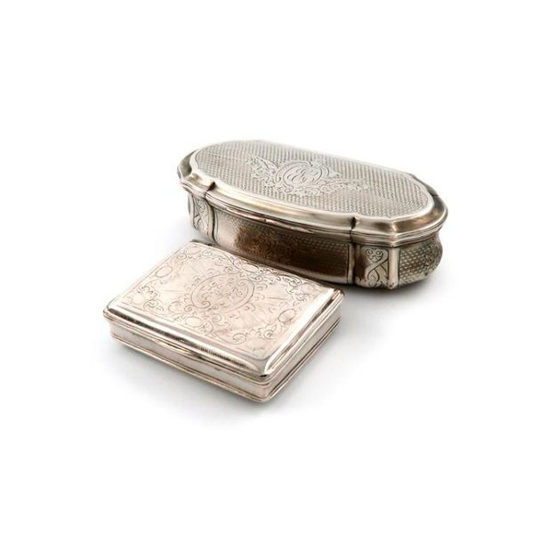 A late 18th century German silver snuff box, maker~s mark ?DS, also with a crown…