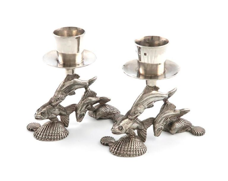 By Leslie Durbin, a pair of modern silver candlesticks, London 1973, tapering ci…