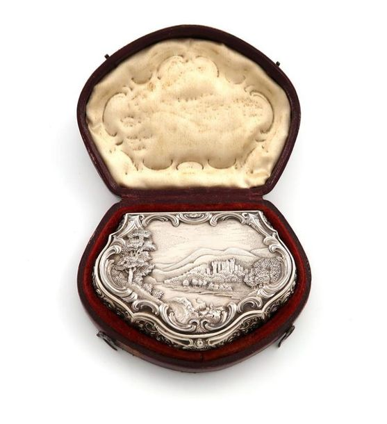 A Victorian Scottish ~Castle top~ snuff box, Abbotsford House, by Alexander Grah…