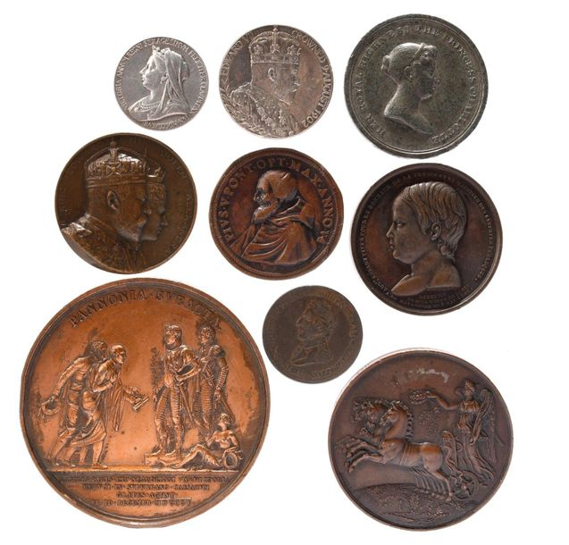 A small quantity of commemorative and portrait medals, including: France: Austri…