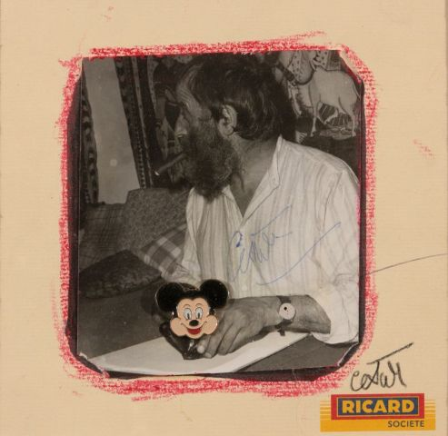 CESAR (1921-1998), Sans titre, collage de photo et pin's sur papier Ricard et pastel…
