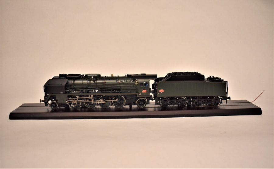 M.T.H. ELECTRIC TRAINS - USA « O » : locomotive 141 P 8 SNCF, verte, avec son tender…