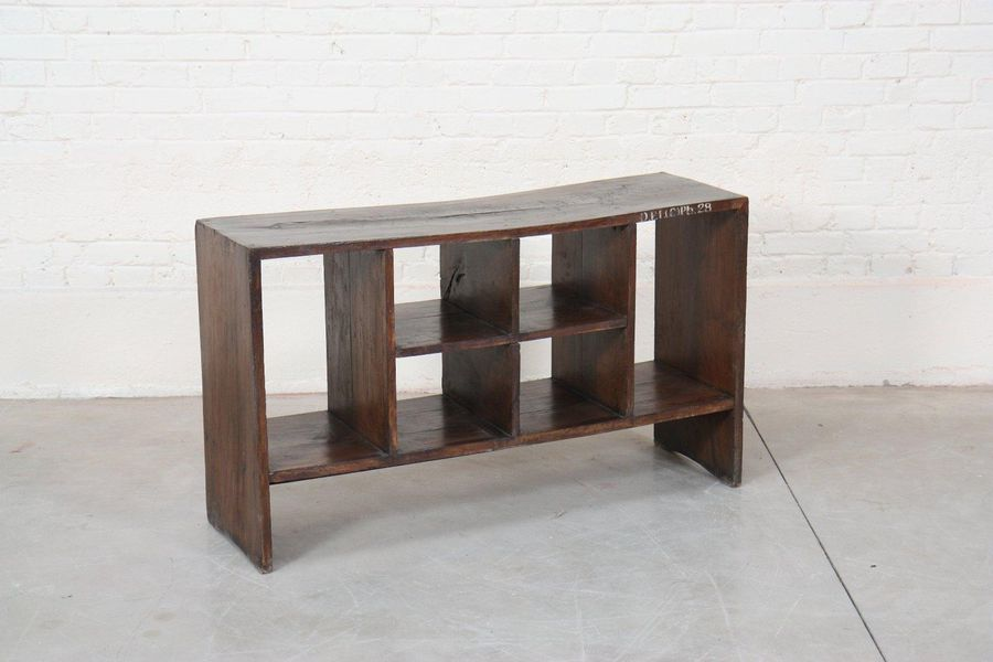 """File rack"" de Pierre Jeanneret (1896 1967)  Rangement bas double face dit ""File…"