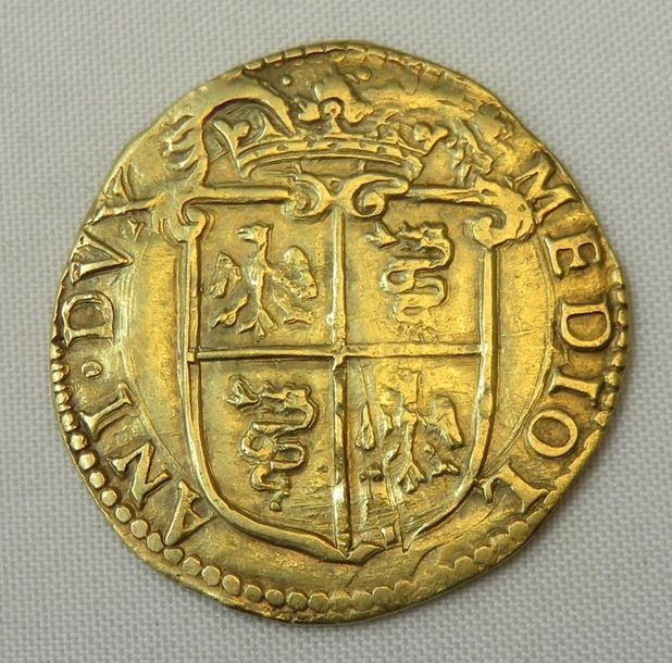 ITALIE. Milan. PHILIPPE II (1556-1598). Doppia. 1589. (Fr. 716). Or. 6,51 g. Traces…
