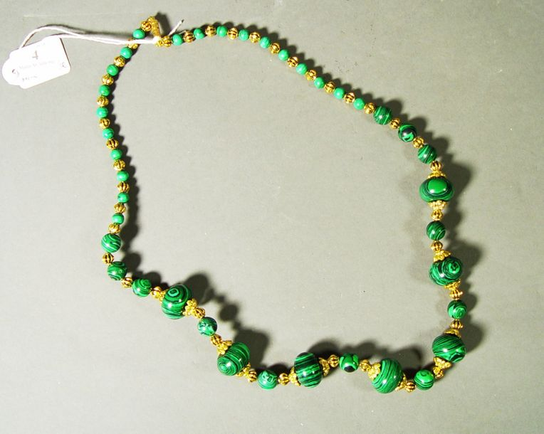 4- Collier en malachite