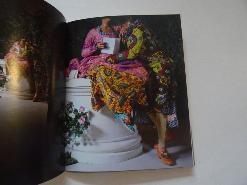 « Yinka Shonibare, MBE : Jardin d'amour », [catalogue d'exposition], Œuvre colle…