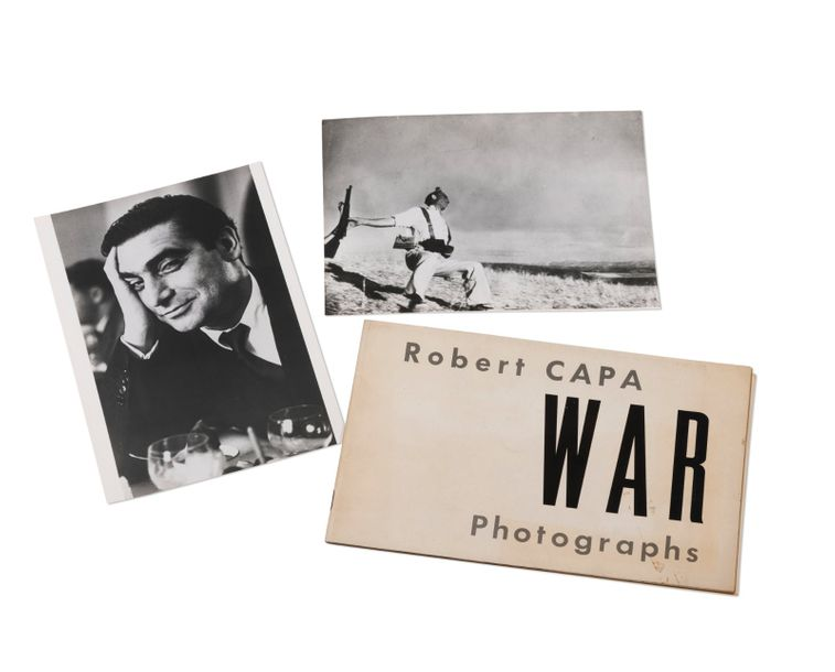 CAPA, Robert Catalogue de l'exposition War Photographs. Compo Photocolor Exhibits…