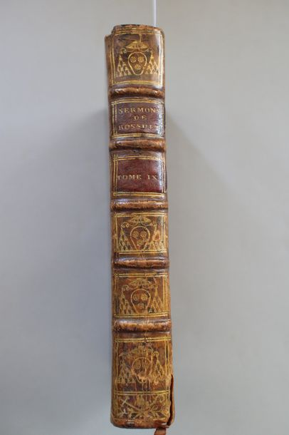 . BOSSUET : Sermons. Paris, Boudet, 1772 ; 9 vol. in-12, veau orné, dos aux arm…