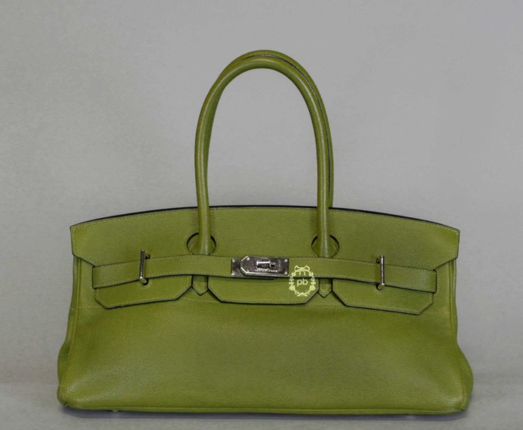 "HERMES Paris SAC ""Birkin Shoulder"" 42 cm en veau grainé olive, garnitures en métal…"