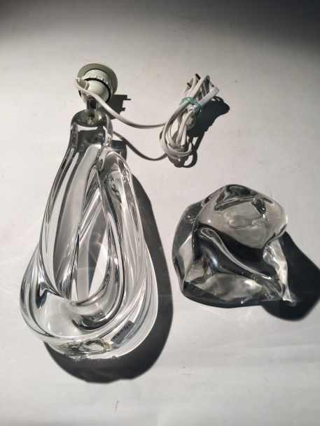 DAUM  Pied de lampe en cristal transparent  Accident au piètement à ressouder à chaud…