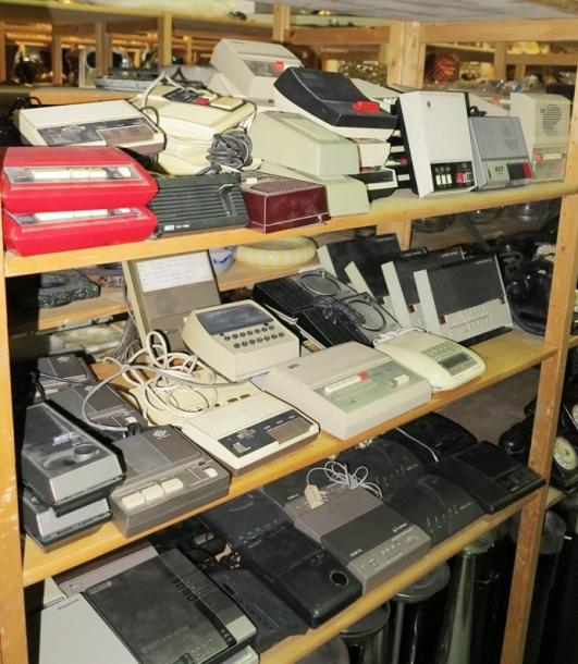 Objet de vitrine - Flacons Lot d'interphones