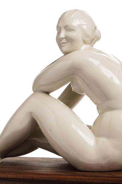 Georges-Henri TRIBOUT (1884 - 1962) La Porcelaine de Paris Sculpture en céramique…