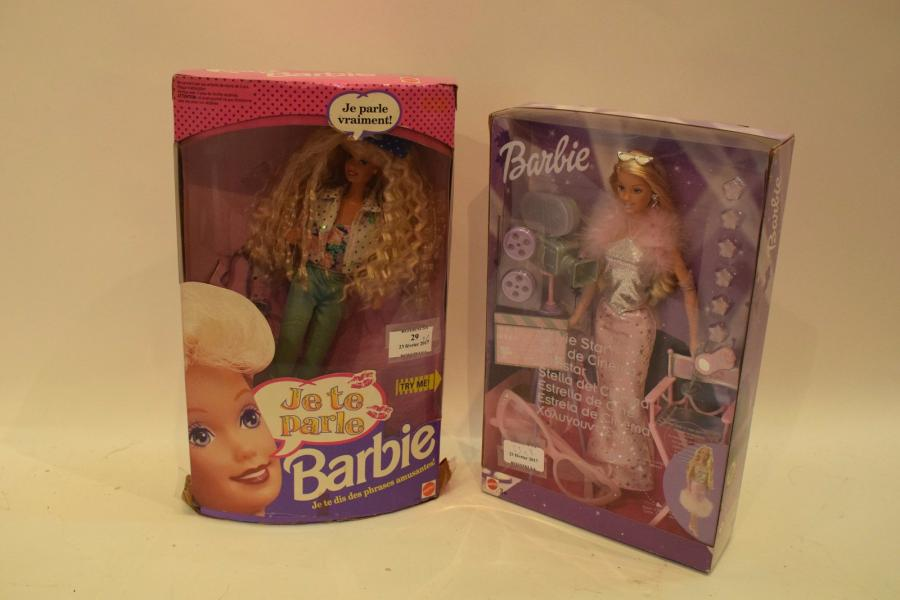 BARBIE STAR de CINEMA. Made in China.  BARBIE « JE TE PARLE » Made in China 1991.…