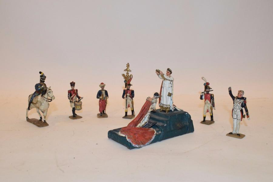 Figurines du 1er Empire de fabrication CBG - VANOT - VERTUNNI en état moyen.