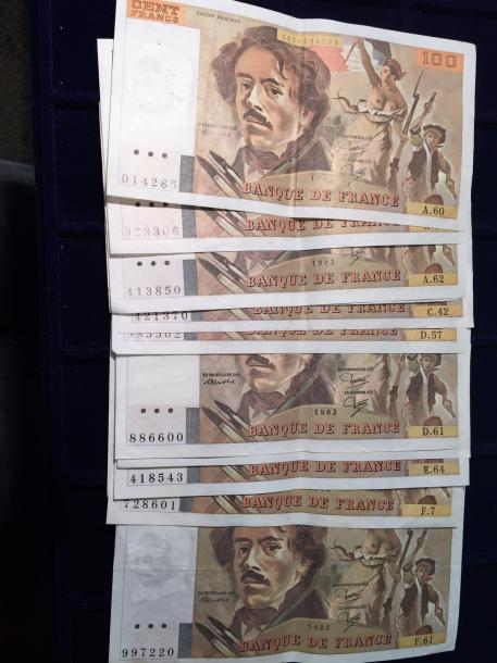 [ Billet de banque ] [ France ]  Lot de 12 billets de cent Francs DELACROIX  (A…