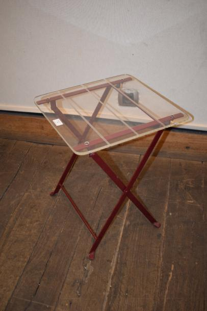 MARAIS International, Table pliante