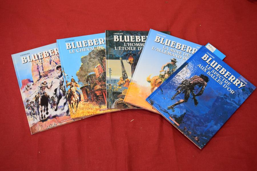 "[ Bande dessinée ]  ""Blueberry"", 5 tomes  Ed : Dargaud"