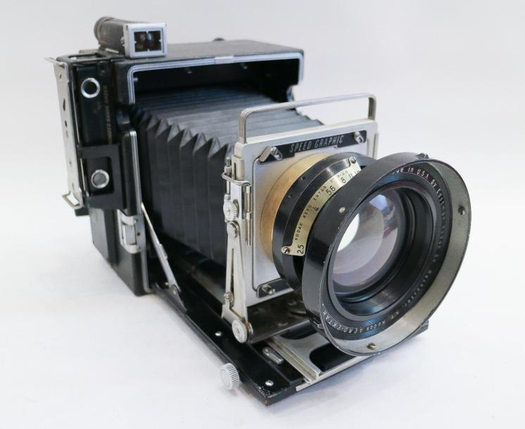 Graflex. Speed Graphic, n°448358. Manufacturing by GRAFLEX Inc Rochester NY USA.…