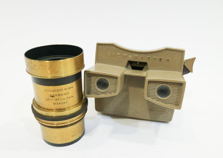 Objectif en laiton Eidoscope F5 N°4 Hermagis Paris, n°66283. On y joint un View-Master…