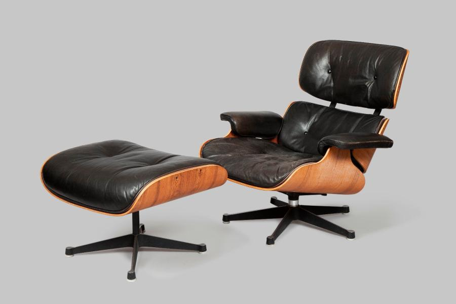 Charles & Ray EAMES & MOBILIER INTERNATIONAL (éditeur)  Lounge chair et son ottoman…