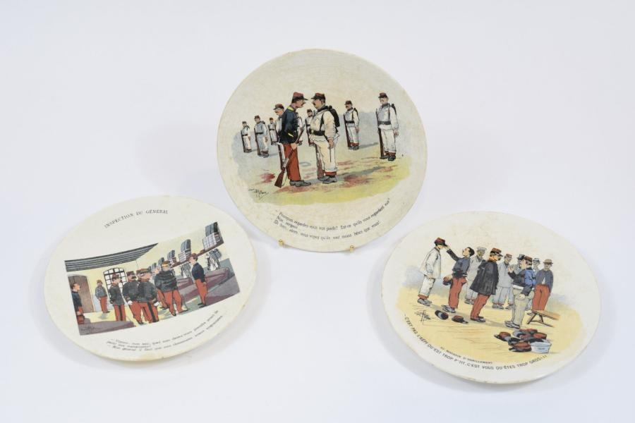 [ WW1 ] [ Conscription ] [ Sarreguemines ]  Ensemble de trois assiettes plates en…