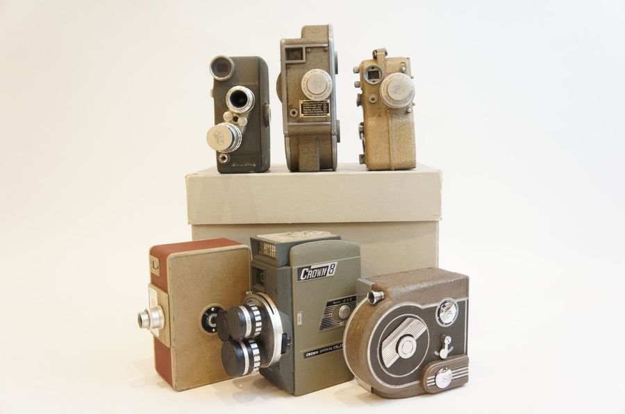 CAMERAS, ensemble de six caméras diverses : caméra Revere Eight Model seventy-Seven,…