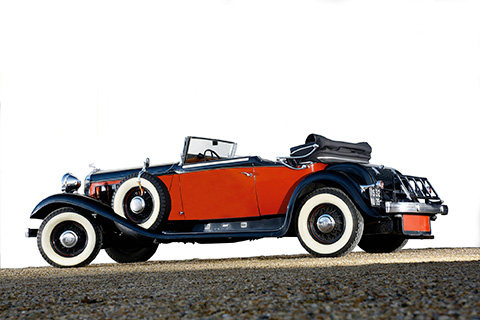 1932 CHRYSLER IMPERIAL CUSTOM Type : Eight N° de série 7803694 Carrosserie : Cabriolet…