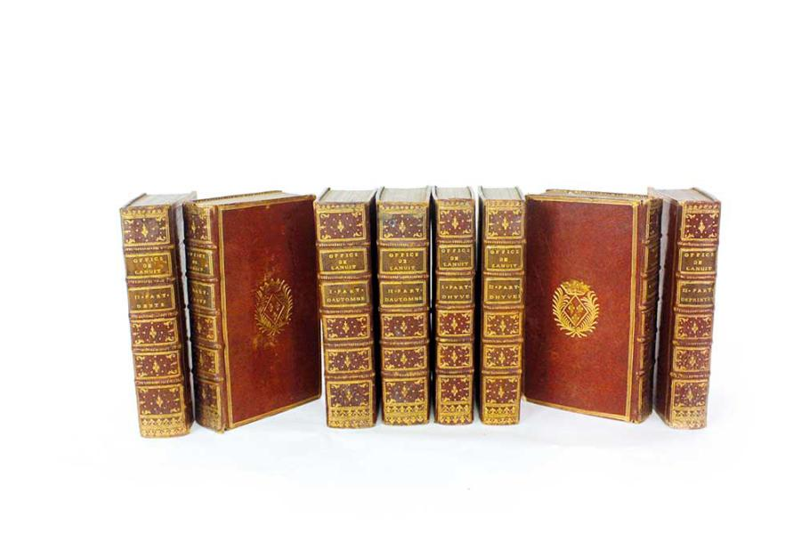 L'office de la nuit et de laudes 1745 » Suite de 8 volumes usagés dont quatre volumes…