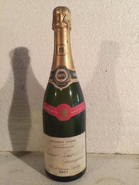 1 Blle CHAMPAGNE PERRIER JOUET 1971 - Belle