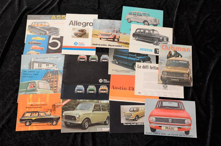 """Catalogues ""AUSTIN"" (G.B) de 1946 à 1980""  Volumineux lot de catalogues, principalement…"