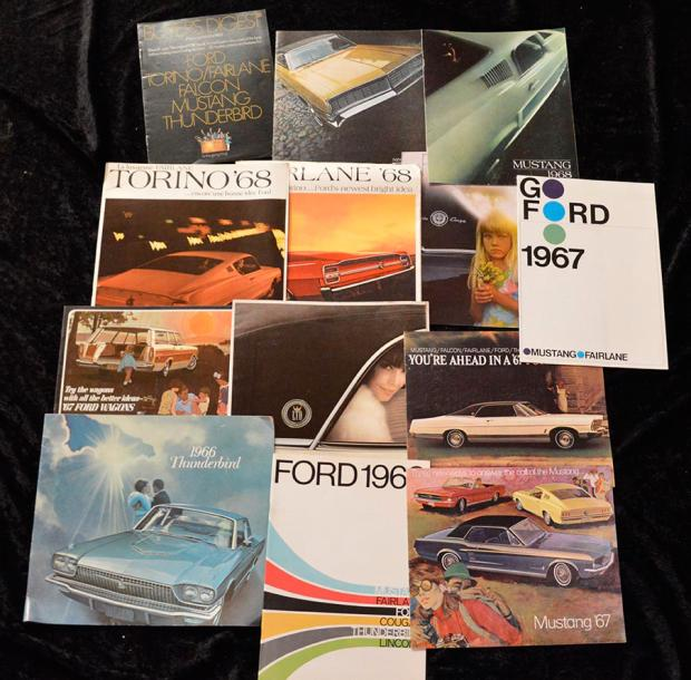 """Catalogues Ford (Américain, U.S.A) de 1946 à 1980""   Volumineux lot de catalogues…"