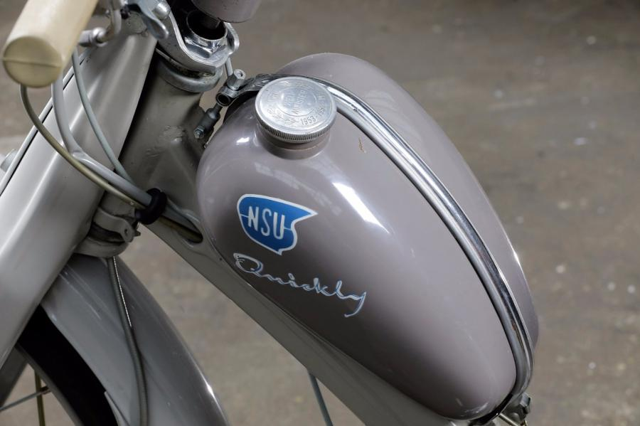 1953  NSU  type Quickly  Cadre n° 312958 - Cylindrée : 49 cm3 - 2 temps  Puissance…