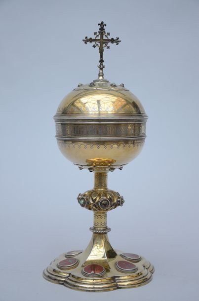 Bourdon: ciborium in gold plated silver with enamel plaques, Ghent (32cm)
