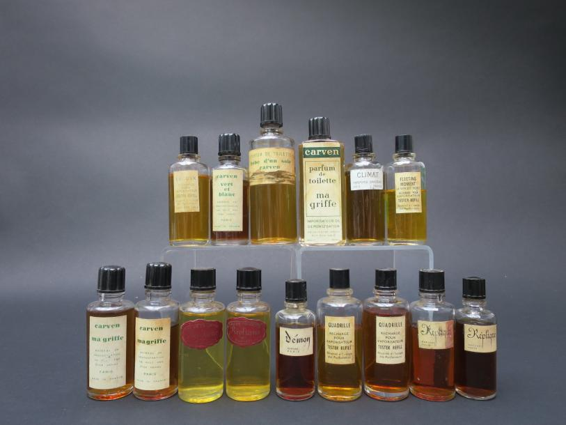 Divers parfumeurs Assortiment de quinze flacons recharge avec parfums d'origine…