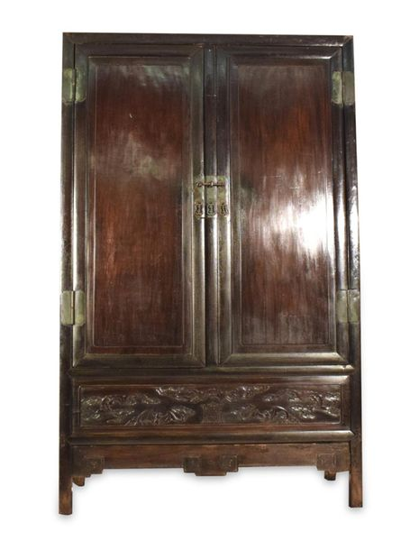 A TWO DOOR HARDWOOD CABINET WITH BAT DECORATED DRAWER, China – 191 x 119 x 57cm
