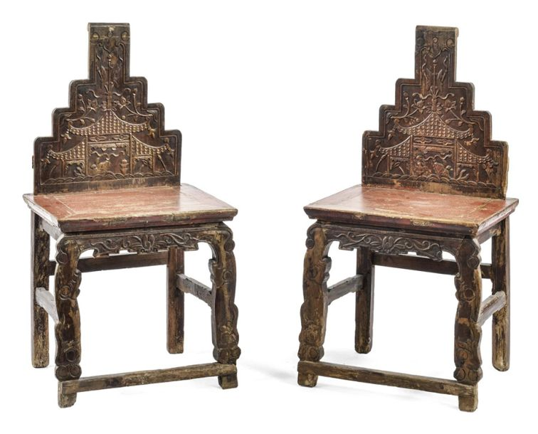 A PAIR OF STEPPED BACK CHAIRS, China, 19th/20th ct. – H. 102,5 cm