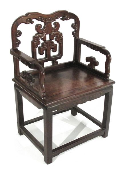 A HARDWOOD CHAIR, China – H. 97 cm