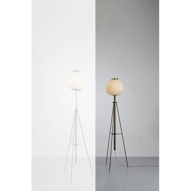 """Angelo Lelii (1915 1987)  Modèle n°12558 """"Giapponese tripode""""  Lampadaire  Laito…"""