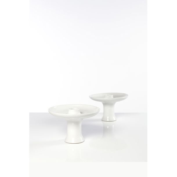 Angelo Mangiarotti (1921 2012), Paire de bougeoirs, Porcelaine, Edition Fratelli…
