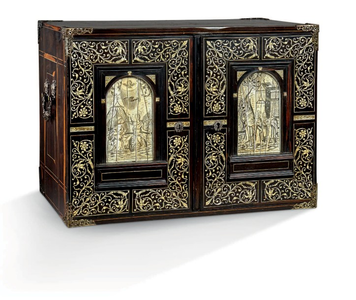 cabinet de table en b ne de macassar et placage d 39 b ne. Black Bedroom Furniture Sets. Home Design Ideas