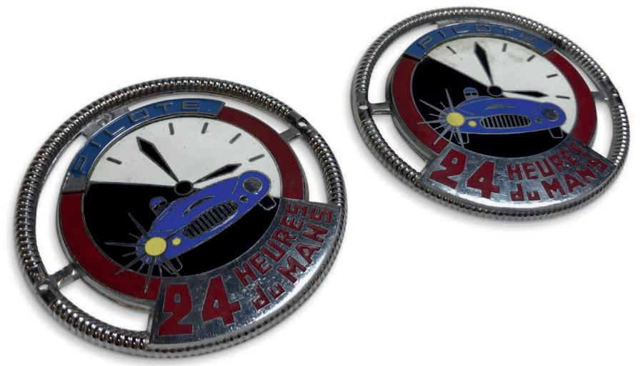 Lot de 2 badges pilote 24 heures du Mans Badges officiels remis aux pilotes ayant…