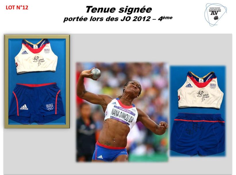 NANA DJIMOU  ATHLETISME  BRASSIERE + SHORTY   JO LONDRES 2012 (4EME PLACE)