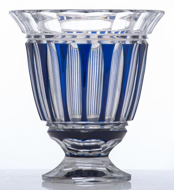 A Val Saint Lambert cut glass vase with blue overlay, H 26 cm