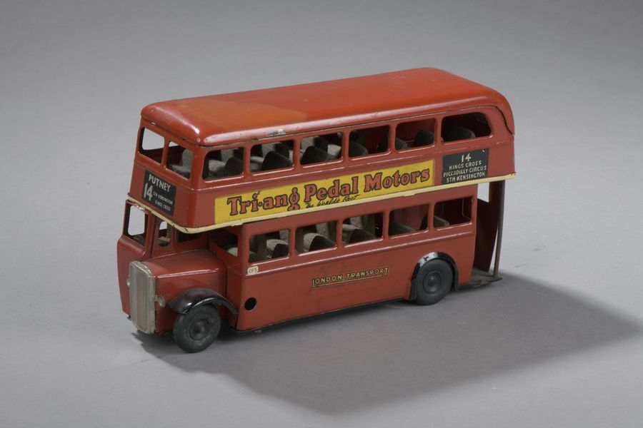 ENGLAND Triang - Bus London Rouge - 1948  Dim. 10x18.5 cm