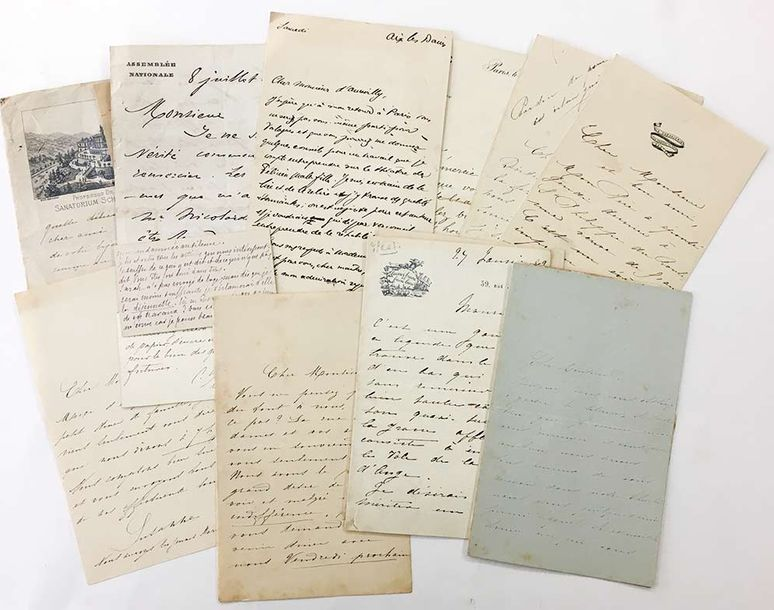 [BARBEY D'AUREVILLY Jules.] Ensemble de 14 documents (lettres ou cartes) adressés…