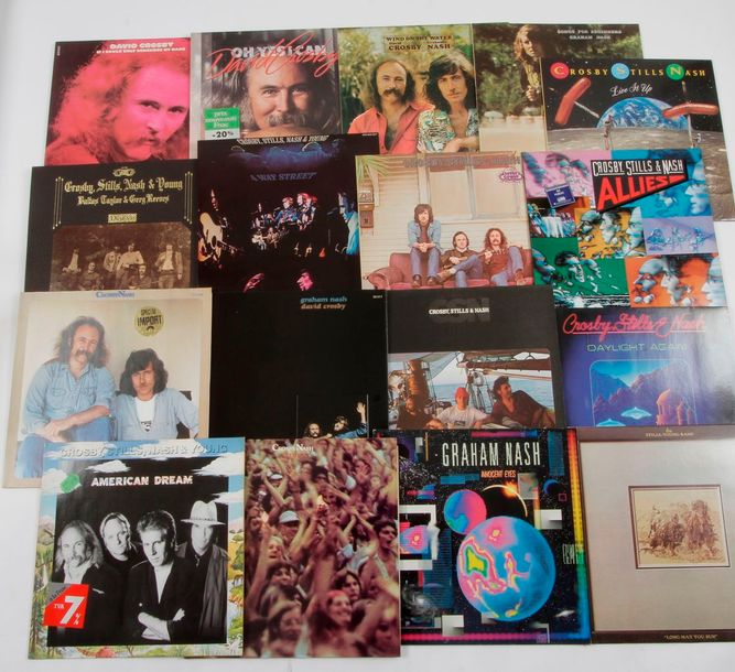 ARTISTES DIVERS dont : CROSBY / STILLS & NASH Ensemble de 17 disques 33 T. 31 x …