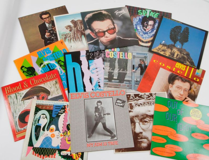 ELVIS COSTELLO Ensemble de 14 disques 33 T. 31 x 31 cm 12 x 12 inches