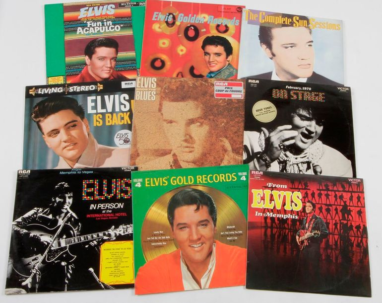 ELVIS PRESLEY Ensemble de 9 disques 33 T. 31 x 31 cm 12 x 12 inches